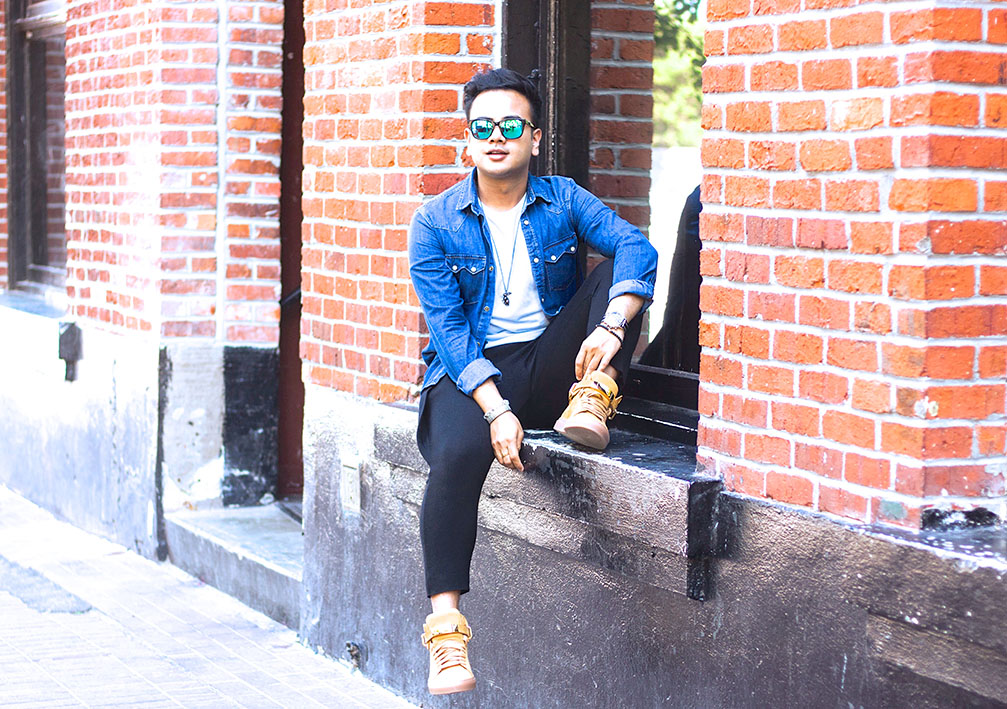 How To Style Men's Sneakers + Summer Street Style Inspiration?