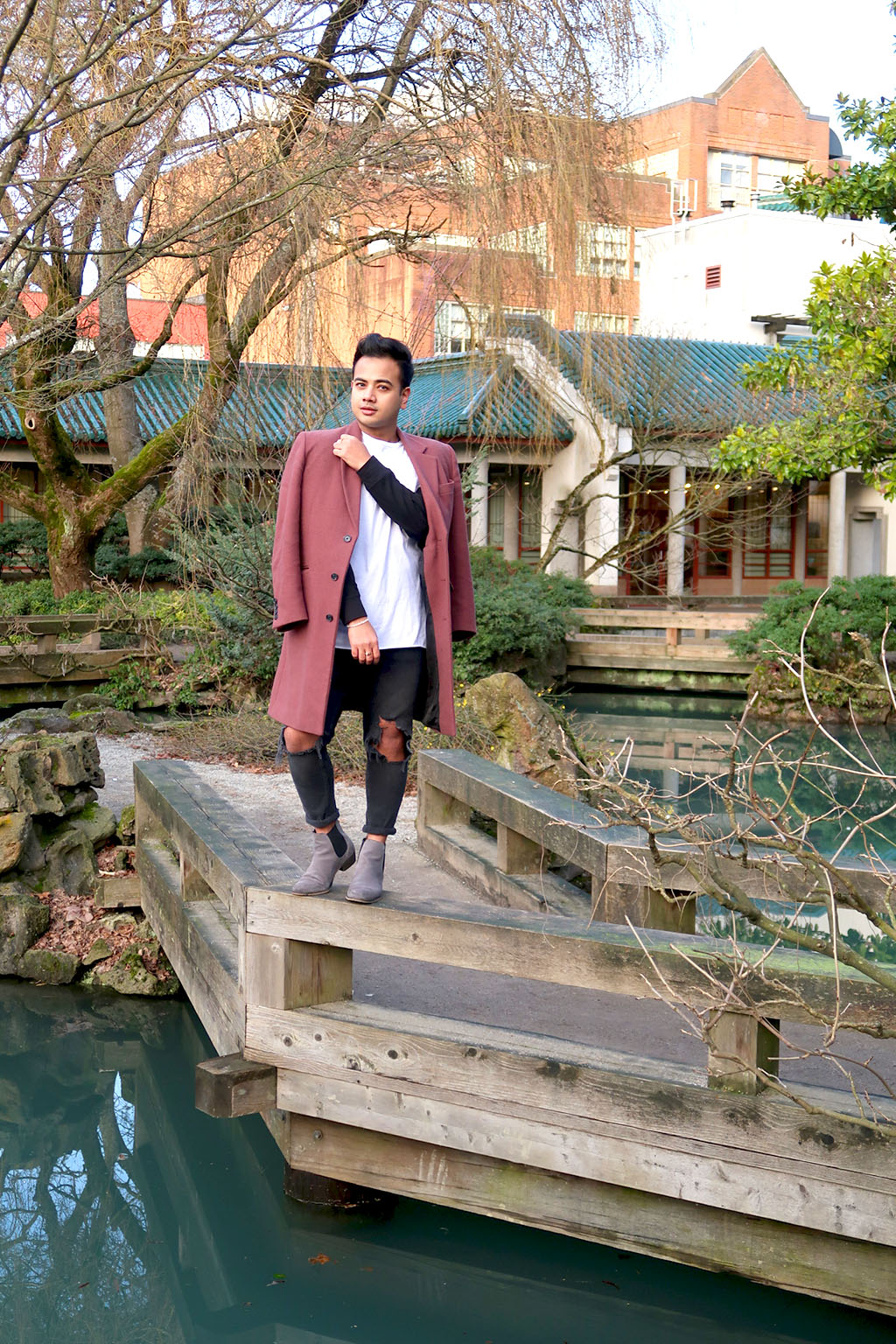 Jonathan Waiching Ho_Travel To Vancouver_Visit China Town Vancouver_Mens Fashion_Style Influencer_4