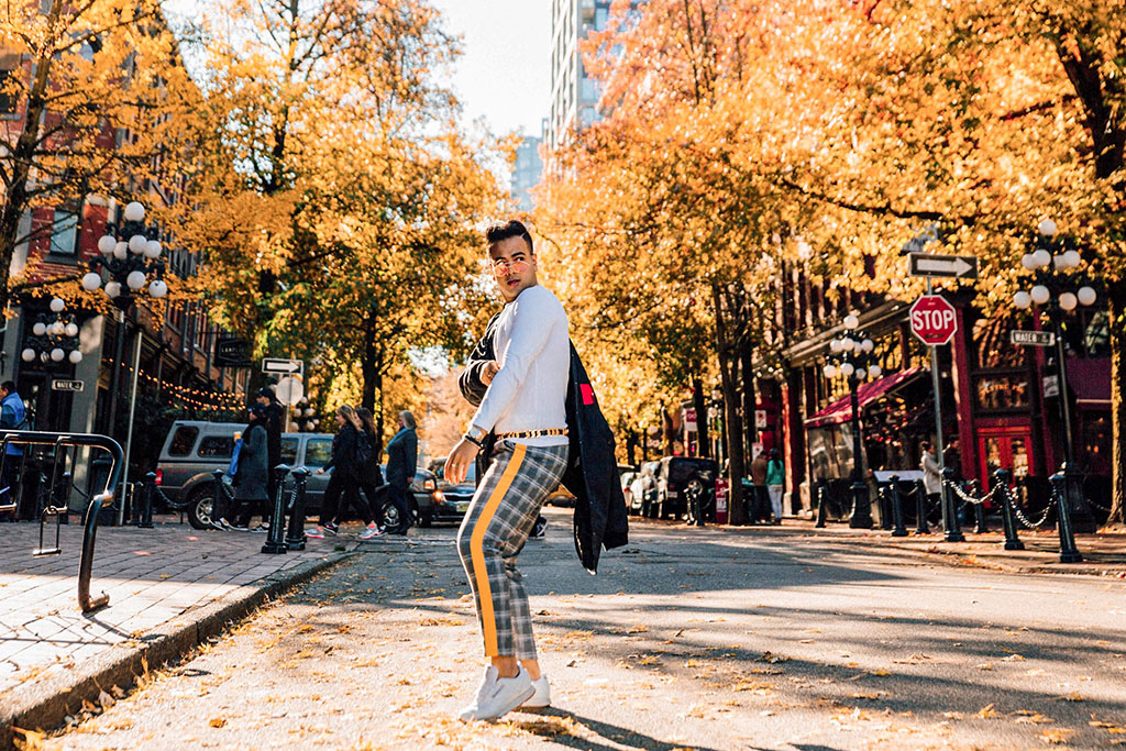 Influencer_Jonathan Waiching Ho_Toronto Fashion Blogger_Vancouver Fashion Blogger_HMoschino_OOTD in Vancouver Top Influencer_8
