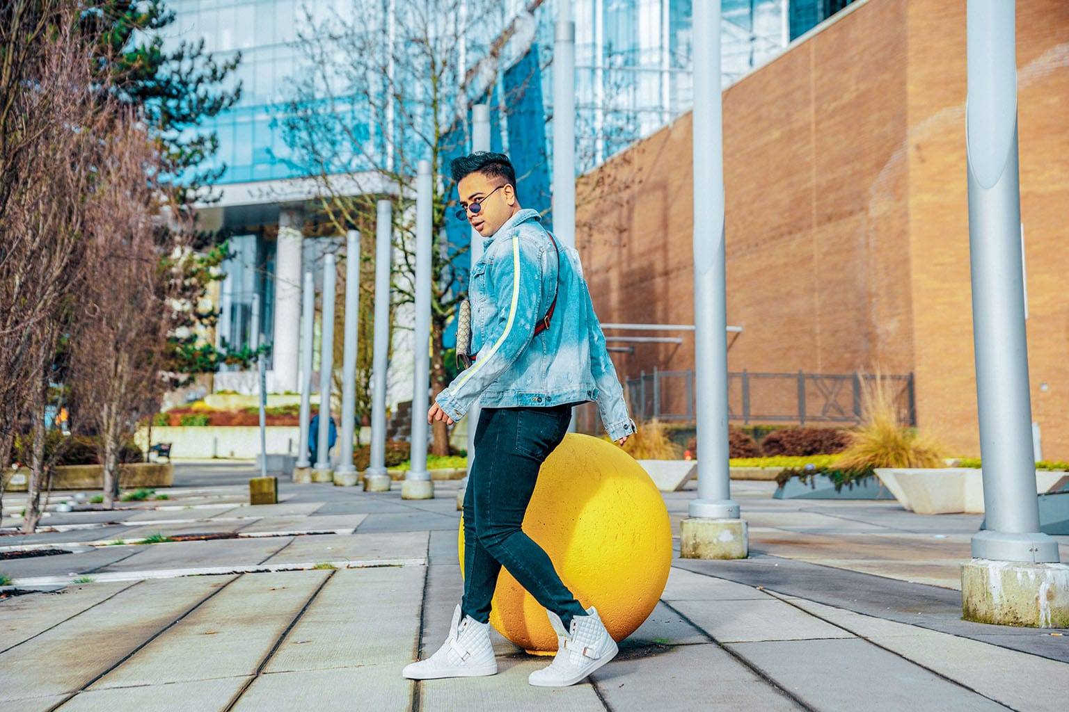 Canadian Travel Style Influencer_Jonathan Waiching Ho_Vancouver Canada_Top Bloggers Canada_9